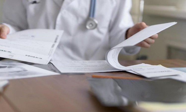 Para realizar la solicitud del informe médico
