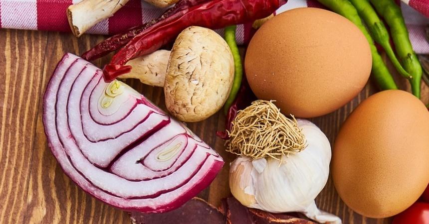 Huevos simples: así los preparas en el horno en menos de 30 minutos