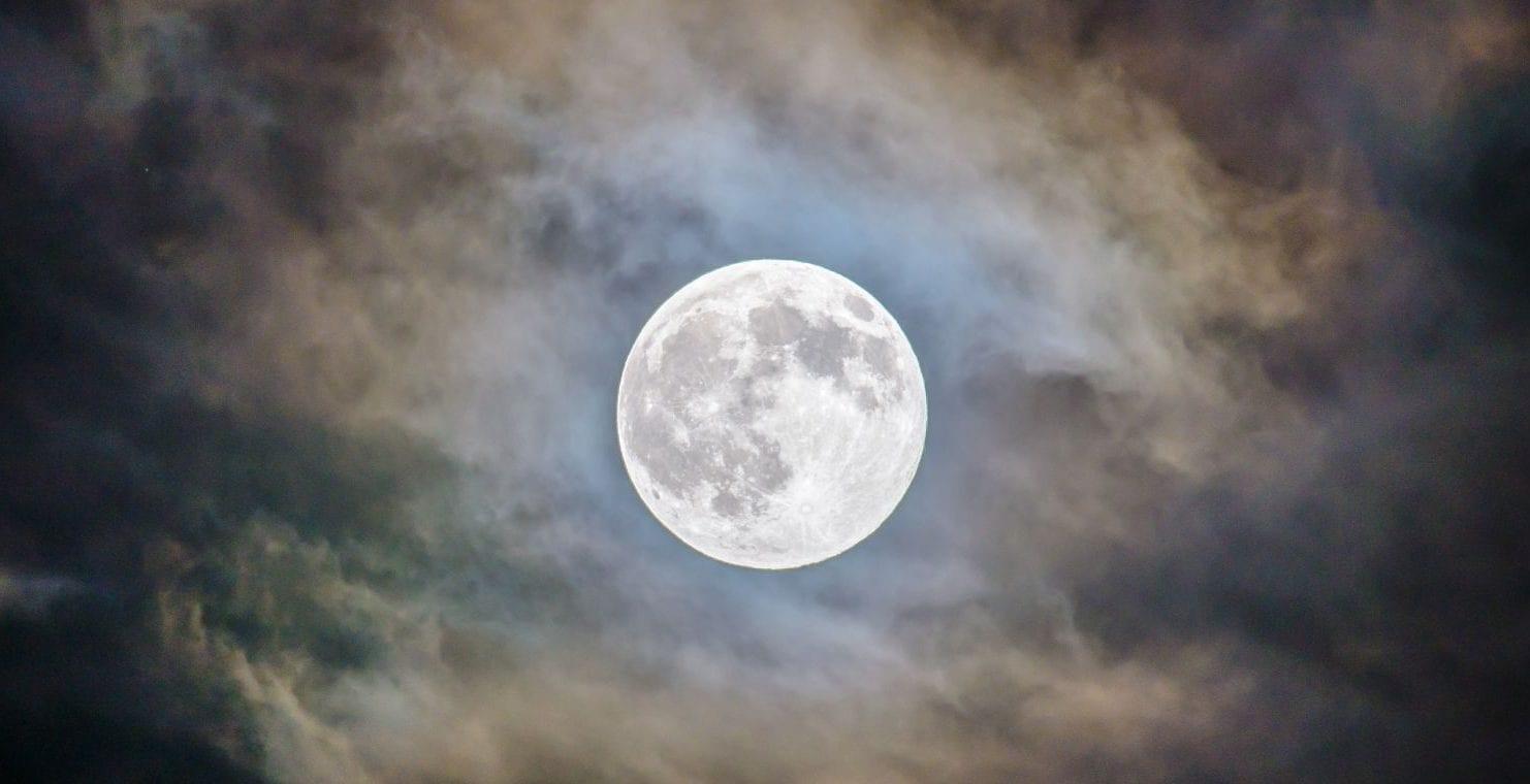 Qué es la Superluna de heno