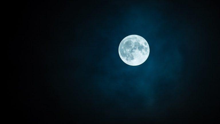 Qué es la luna llena azul