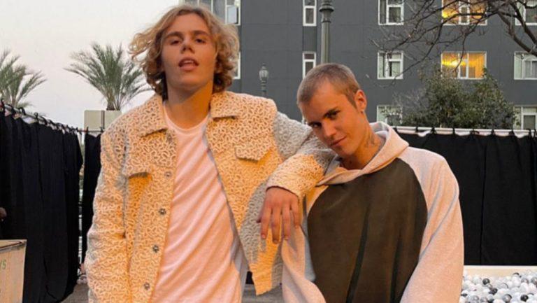 Justin Bieber y The Kid Laroi juntos en 'Stay'