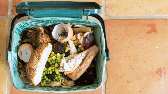 Cómo eliminar el mal olor del cubo de basura