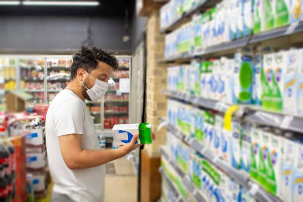 Ni entera, ni desnatada: los motivos para no tomar leche