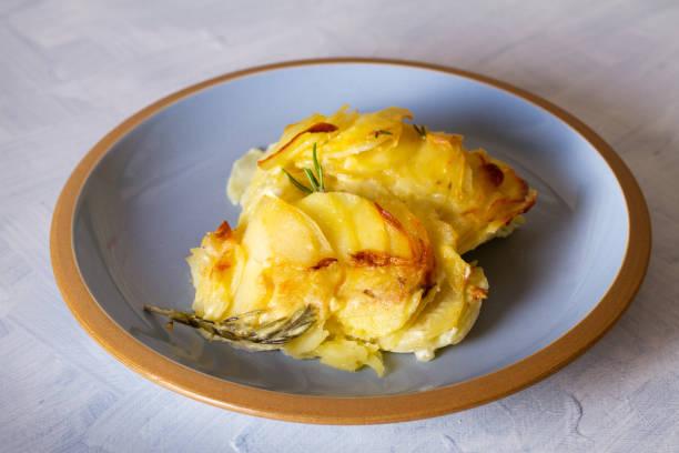 Patatas con bechamel: una receta sencilla que gusta a todo el mundo
