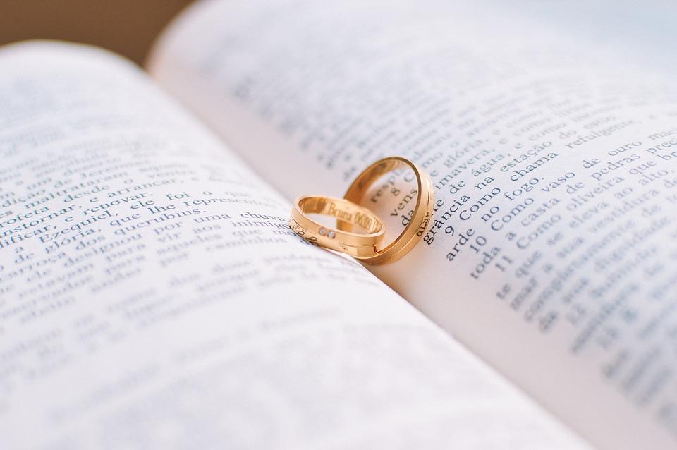¿Cómo se tramita un contrato prematrimonial?