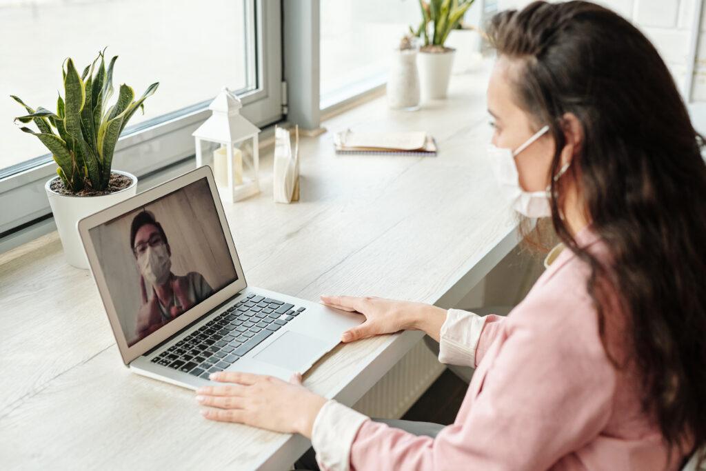 Trucos para salir con un puesto de trabajo en una entrevista online