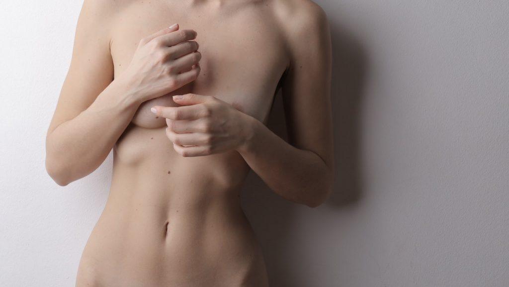 Estas son las razones por las que deberías dormir desnudo
