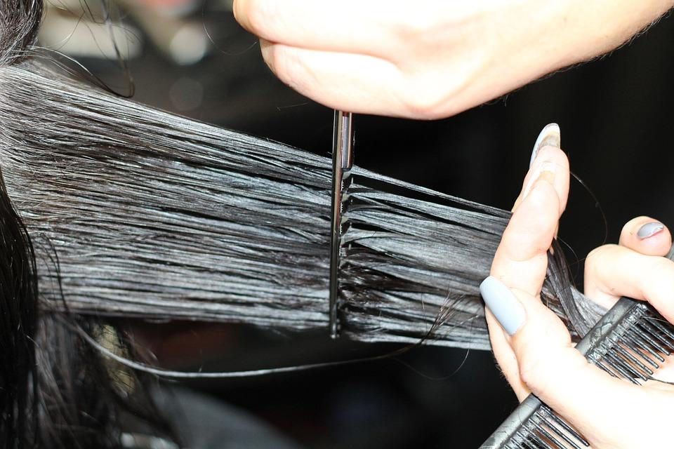 Toma nota de los puntos a tomar en cuenta para elegir un corte de pelo favorable