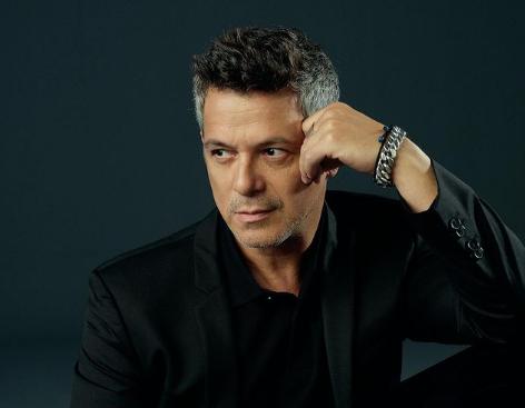 Alejandro Sanz Bio