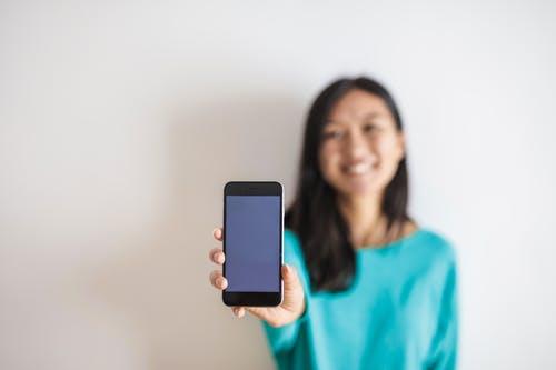 ¿Cómo desinfectar un móvil de forma correcta?