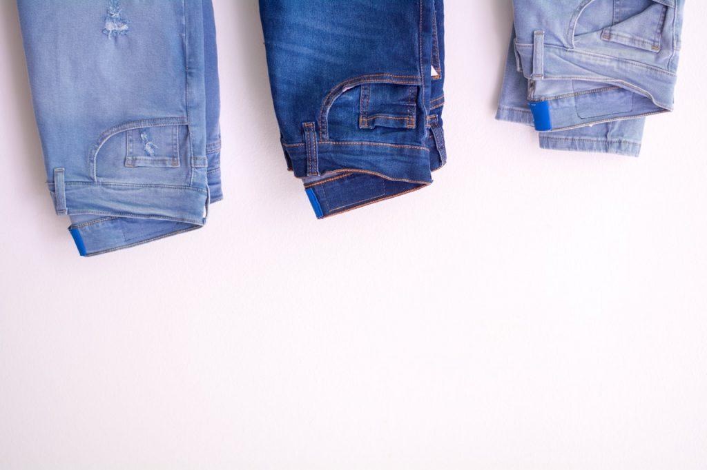 El bolsillo de los pantalones que tienes