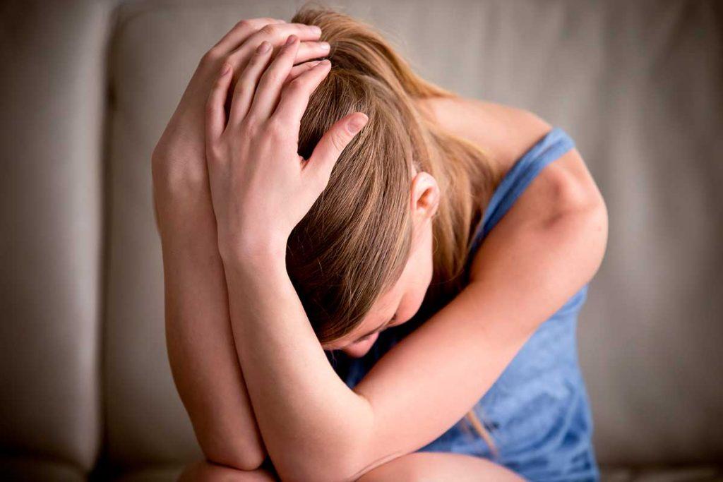 ¿Cuáles son los síntomas que se ven mientras se tiene el síndrome de abstinencia?