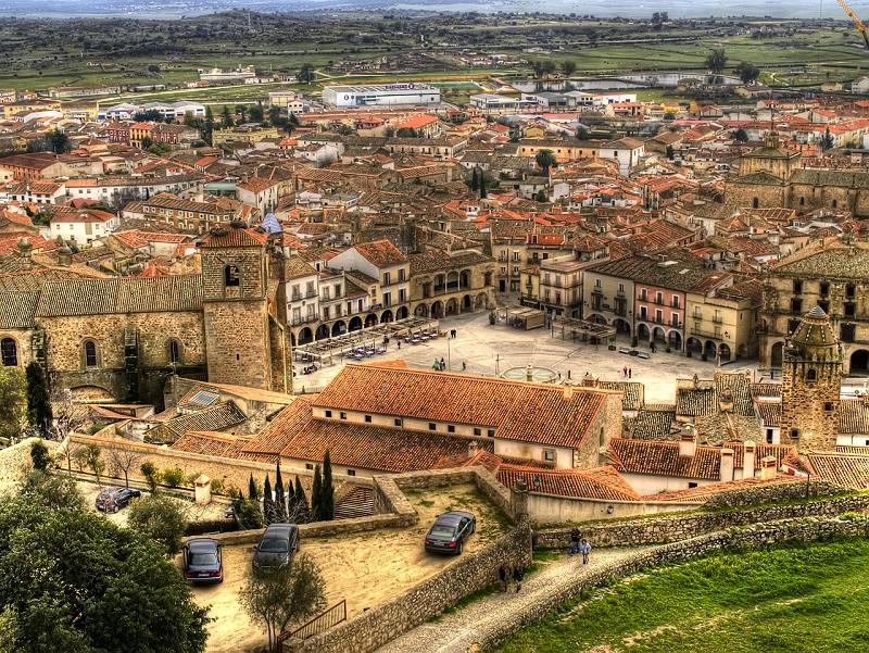 Pueblos bonitos de Extremadura a los que escaparte en el Puente del Pilar